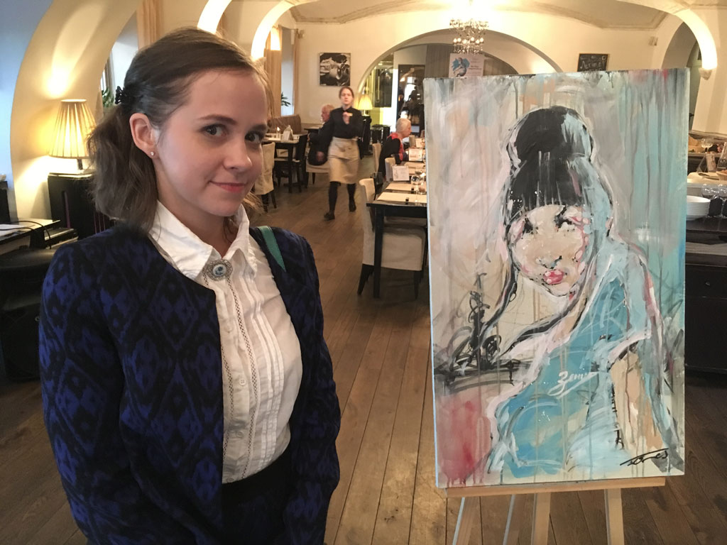 Frolova Katerina with the picture made by Manuel Gomes